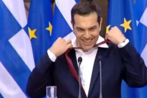 Χαμός στο Twitter με τη γραβάτα του Τσίπρα!
