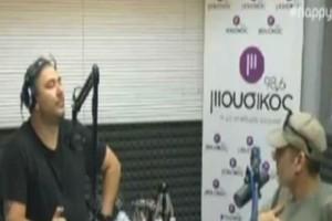 """Σφακιανάκης σε Ρέμο: """"Είσαι gay;"""" - Η ατάκα φωτιά που...""""καθήλωσε"""" τον τραγουδιστή! (video)"""