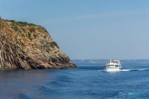 Το «άγνωστο» νησί του Αιγαίου… με τις απίστευτες παραλίες και τους 20 κατοίκους! (photos)