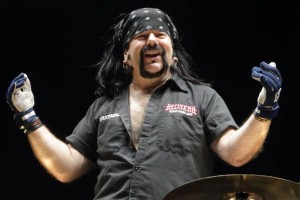 Βρέθηκε νεκρός ο ιδρυτής των Pantera, Vinnie Paul!