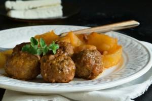 Η συνταγή της ημέρας: Κεφτεδάκια με πατάτες γιαχνί!