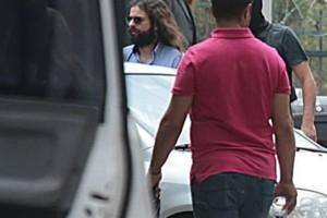 """Κρατούμενος μέχρι την απολογία του ο Μπαρμπαρούσης - """"Ήταν μια ατυχής επιλογή εκφράσεων"""" λέει ο συνήγορός του"""
