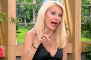 Η Ελένη Μενεγάκη «καρφώνει» τον Αλβάρο! Το δημόσιο σχόλιο και οι μπηχτές για το γάμο του! (video)