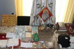"""""""Ιερή"""" μπίζνα με ιερομόναχο που τελούσε ιδιωτική Λειτουργία – Είχε από λείψανα αγίου μέχρι κοσμήματα και σφαίρες"""