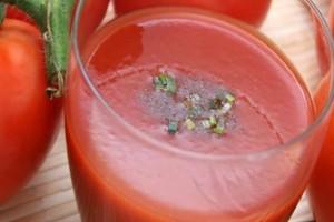 Έπιναν χυμό ντομάτας κάθε μέρα επί 2 μήνες: Το αποτέλεσμα είναι τρομερό!