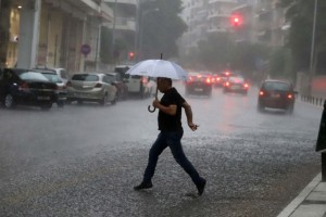 Έκτακτο δελτίο επιδείνωσης καιρού: Τετραήμερο ισχυρών καταιγίδων!
