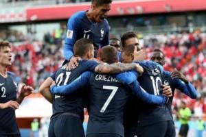 """Μουντιάλ 2018: Μπαπέ και... έφυγε για τους """"16""""! Γαλλία – Περού: 1-0 (video)"""