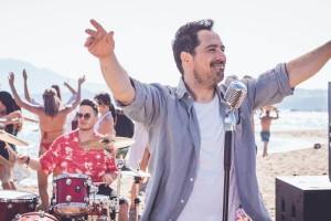 Μάκης Δημάκης: Κυκλοφορεί αυτό το Σαββάτο το πρώτο του προσωπικό ολοκληρωμένο άλμπουμ!