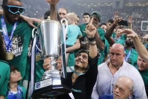 Πρωτάθλημα για τον Παύλο: Στιγμές από την φιέστα του Παναθηναϊκού!