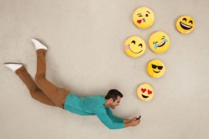 Η απίστευτη καινοτομία της Samsung! - Μας φέρνει το προσωπικό μας… emojiman! (Video)