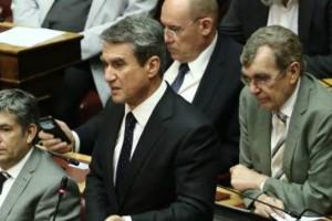Χαμός στη Βουλή: Ο Λοβέρδος ρώτησε αν πήραμε οικονομικά ανταλλάγματα για το Σκοπιανό