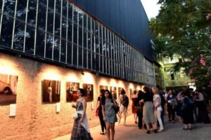 Το Φεστιβάλ Αθηνών βάζει δωρεάν πούλμαν, από το κέντρο, για τις σκηνές στην Πειραιώς!