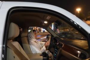 Σαουδική Αραβία: Επετράπη στις γυναίκες να οδηγούν εν έτει... 2018!