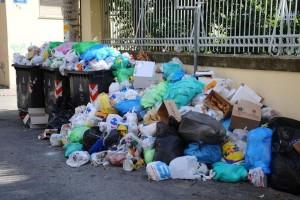 Τόνοι σκουπιδιών έχουν σκεπάσει την Αθήνα! Τι γίνεται με τον ΧΥΤΑ Φυλής