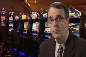 Απίστευτο: Αμερικάνος κατασκευαστής εξηγεί πως θα κερδίσεις στα φρουτάκια του καζίνο! (video)