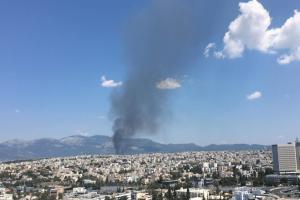Συναγερμός στην Πυροσβεστική: Αναζωπυρώθηκε η φωτιά στο Μενίδι!