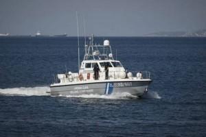 Περιπέτεια στη θάλασσα για τουρίστες - Ανέβηκαν σε στρώμα και παρασύρθηκαν από τον άνεμο