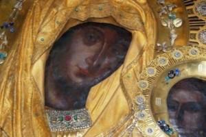 H θαυματουργή εικόνα της Παναγίας που ακούει και ελεεί γρήγορα όσους την επικαλούνται!