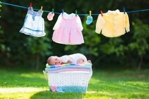 Ένα εύκολο κόλπο για να φτιάξετε μόνοι σας απορρυπαντικό ρούχων για μωρά!