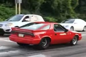 Ο απρόσεκτος οδηγός που έγινε viral! - Τα «κόλπα» που θα του στοιχίσουν ακριβά! (Video)
