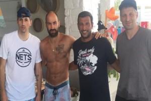 Μαζί διακοπές στην Πάρο Διαμαντίδης, Σπανούλης και Παπαλουκάς! (photos)