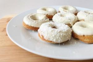 Υγιεινό και πεντανόστιμο! Φτιάξε donuts φούρνου με καρύδα