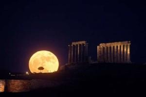 Στις 27 Ιουλίου θα αντικρίσουμε το μεγαλύτερο «ματωμένο φεγγάρι» του 21ου αιώνα! - Σε ποιες περιοχές θα είναι ορατό;