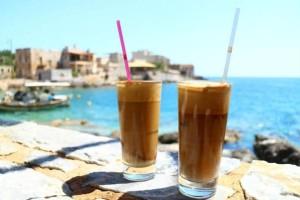 Καφές με άδειο στομάχι; ΠΟΤΕ! Δείτε τι μπορεί να προκαλέσει