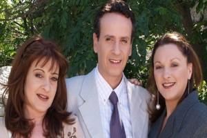 """Ο τηλεοπτικός """"Τρελαντώνης"""" αποκαλύπτει! - Επιστρέφει τελικά με νέα επεισόδια το «Καφέ της Χαράς»;"""
