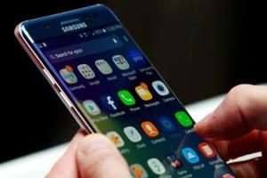 Samsung: Άνοιξε στην Ινδία το μεγαλύτερο εργοστάσιο κινητών στον κόσμο! (Video)