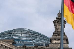 """Γερμανική εφημερίδα: """"Επίδειξη ισχύος της γερμανικής κυβέρνησης το μπλοκάρισμα της τρίτης δόσης"""""""