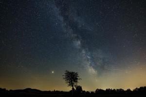 Η φωτογραφία της ημέρας: Ο πλανήτης Άρης και ο ο Γαλαξίας διακρίνονται στο νυχτερινό ουρανό!