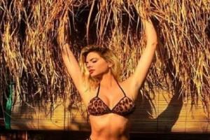 Όλα στη φόρα η Ρία Αντωνίου! Οι topless φωτογραφίες από τις διακοπές της!