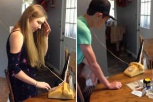 Έφηβοι προσπαθούν να τηλεφωνήσουν από παλιά συσκευή τηλεφώνου! (video)