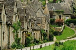 Bibury: Το παραμυθένιο χωριουδάκι που πρέπει να επισκεφθείς οπωσδήποτε!