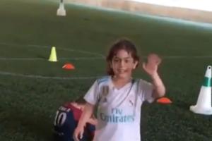 Απίστευτο βίντεο: Πιτσιρίκα με με φανέλα της Ρεάλ «μαγεύει» το γήπεδο!