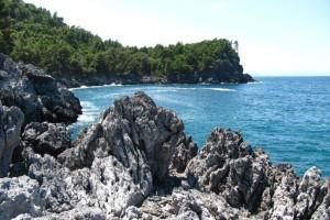 Εύβοια: Σορός άνδρα σε προχωρημένη σήψη σε παραλία