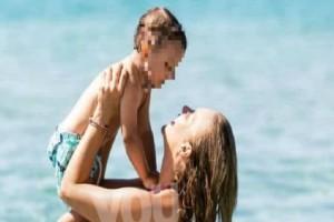 Χριστίνα Αλούπη: Μια ευτυχισμένη εγκυμονούσα! - Δες πού θα βρεις το ροζ μαγιό που φοράει!