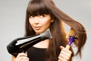 3+1 tips για να χτενίσεις σωστά τα ταλαιπωρημένα σου μαλλιά!
