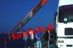Απίστευτο περιστατικό στο Κιάτο: Αυτοκίνητο έπεσε στη θάλασσα!