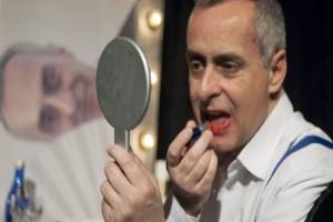 «Γκυγιώμ, γλυκιά μου»: Επιστρέφει για δεύτερη χρονιά στο θέατρο Αλκμήνη!