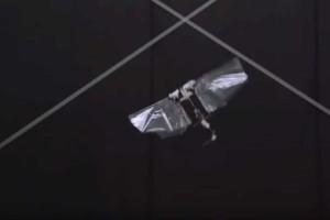 Άκρως πρωτοποριακό: Ιπτάμενο ρομπότ έφτιαξαν στην Ολλανδία! (Video)