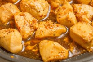 Μπουκίτσες κοτόπουλου με νόστιμη σάλτσα!
