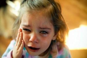 """""""Βοήθεια χτυπάει τη μάνα μου"""": Το συγκλονιστικό τηλεφώνημα μιας 6χρονης στην Αστυνομία!"""