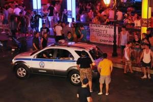 Ζάκυνθος: Στο νησί βρίσκονται οι γονείς του αμερικανού τουρίστα που δολοφονήθηκε στον Λαγανά (photo+video)