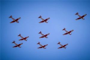 Γιατί γέμισε ο αττικός ουρανός με μικρά αεροπλάνα;