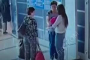 Βίντεο που σοκάρει: Πουλάει το μωρό της για μόλις 38 ευρώ!