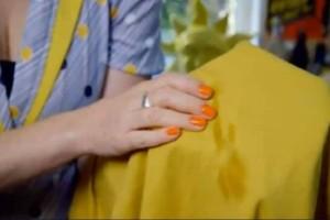 Λερώθηκαν τα ρούχα σας με λάδι; Μην τα πετάξετε – Δείτε το μυστικό για να τα καθαρίσετε!