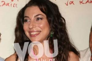 Μπορείτε να μαντέψετε ποιας πασίγνωστης Ελληνίδας ηθοποιού είναι κόρη η καλλονή της φωτογραφίας;