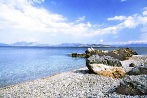 Η καλά κρυμμένη παραλία των γυμνιστών στην Αττική! - Εκεί όπου το μαγιό... απαγορεύεται!